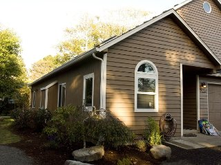 Large Retreat Home on The Beautiful Oregon Coast, Lincoln City