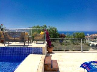 Luxury Duplex Penthouse with own Pool in Kalkan