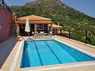 Eleni one-beroom villa with sea view, Vasilikos