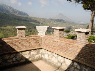 La Torre a Castelnuovoparano