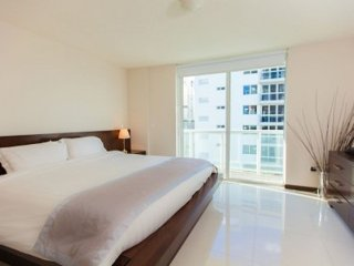 Luxury Spacious 2 Bed 2 Bath Apartment, Miami