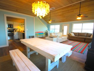 New Tiki Hut! ! Luxury Gulf Front W/ Boardwalk, Cape San Blas