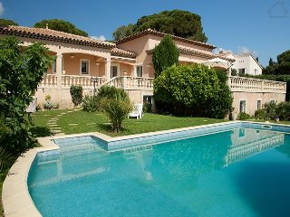 Thalassa 33503 villa with panoramic sea views, beach at 500 metres, heated pool.