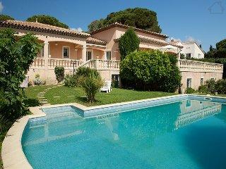 Thalassa 33503 villa with panoramic sea views, beach at 500 metres, heated pool., Les Issambres