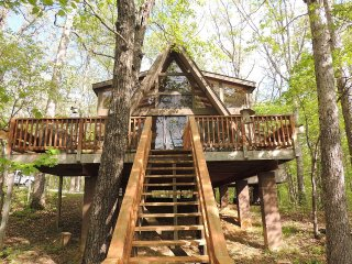 Modern, Family Friendly Chalet On Lake, Innsbrook