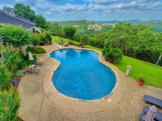Hill Country view Villa