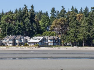 Fall Getaway. Sep/Oct SPECIAL $150 pn. Beachfront, Parksville