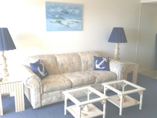 Updated Ocean Block - 1 Bedroom - Sleeps 5-, Ocean City