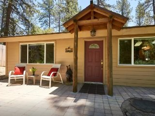 Cozy Nestled 'In The Pines' Home, Idyllwild