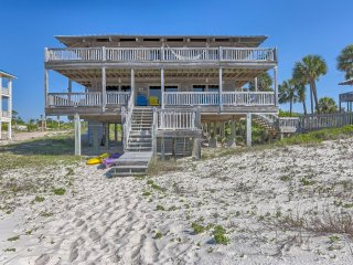 Fall Rate for June 12-26! 4BR/3.5BA Beachfront!, St. George Island