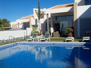 Luxury Villa with Pool, La Caleta
