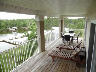 3 Bedroom. All Waterfront w/Piers for fishing.