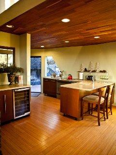Wine Bar, Breakfast Nook