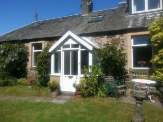 Charming stone cottage in Stirling.