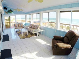Friendly Beachfront Home with Hot Tub! Sleeps 14!, St. George Island