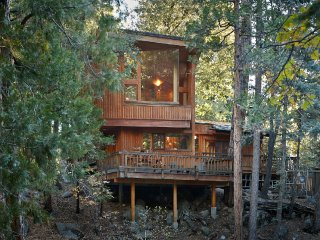 "Amazing Mountain Views, ""Upper Rim Rock"" with Spa, Idyllwild"