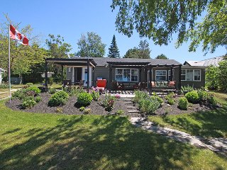 Lakeview Treasure cottage (#1013), Sauble Beach