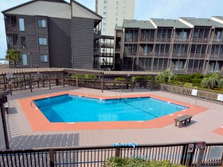 Ocean Dr, North Myrtle Beach Ocean View Condo!   Book your summer weeks now!
