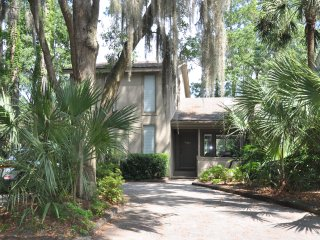 Charming Home with Great View - Walk to Harbour Town, Golf, Tennis, Pool