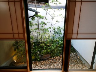 GION LOCATION, LICENSED RENTAL, FULLY RENOVATED TRADITIONAL JAPANESE HOUSE.