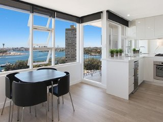 PNT91 - Newly Renovated with Stunning Views, McMahons Point