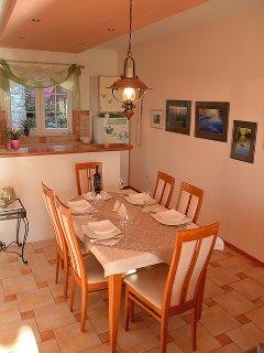 A1(2+2): dining room