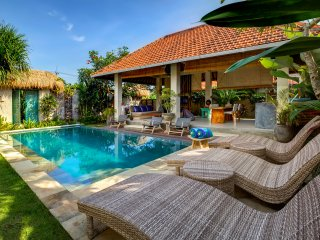 Exquisite 2BD Villa in Private Villa Resort Canggu