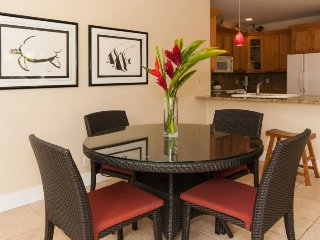 Regency 810 Central A/C condo in the heart of Poipu a short walk to beaches, Pool, hottub, bbq. Free car with stays 7 nts or more*, Koloa