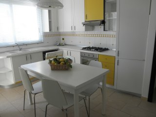 Bright, cozy and central apartment, Gioiosa Marea