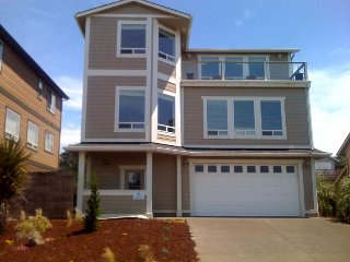 Pacific Palace ~ RA45650, Lincoln City