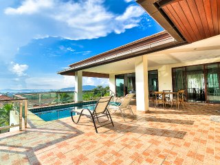 5 bdr lux ocean view pool villa V2, Chalong