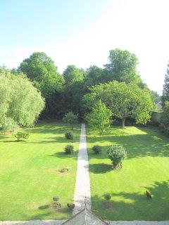 Le jardin sud, vue des chambres