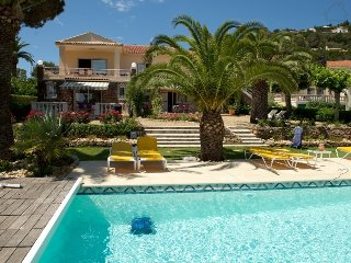 Palba 190084 apartment with terrace, shared heated pool, at 150 mtr. from sea, Les Issambres
