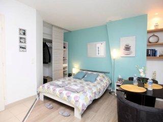 Nice studio in Montmartre, París