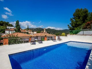 Mountainside Sant Feliu villa for 6 guests, 35km from Barcelona!, Castellar del Vallès