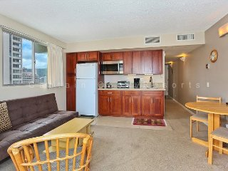 Ocean View with central A/C and just a 5 minute walk to beach!  Sleeps 4, Honolulu