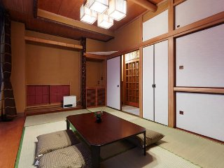 Amazing JPN style room near Ueno!!!, Bunkyō