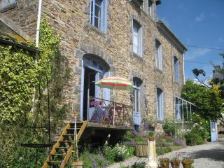 Pear Blossom House Bed & Breakfast (B & B), Mur-de-Bretagne