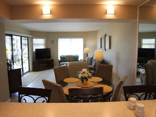Colony Reef 2212, 3 Bedrooms, Sleeps 10, Steps to Beach, 2 Pools, WIFI, Saint Augustine