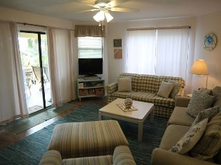 Colony Reef 2109, 3 Bedrooms, Sleeps 10, Steps to Beach, 2 Pools, WIFI, Santo Agostinho