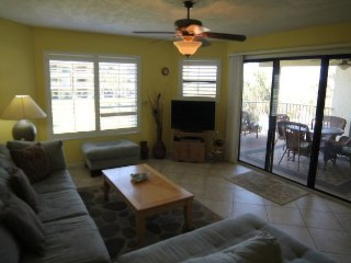 Colony Reef 1207, 3 Bedrooms, Sleeps 6, Steps to Beach, 2 Pools, WIFI, Saint Augustine