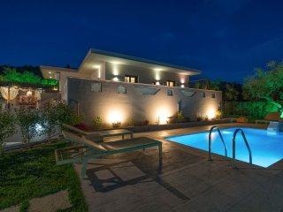 Vatia 2-Bedroom Villa with Private Pool, Tragaki