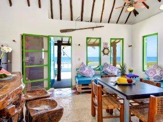 CASA CAROLA BEACH FRONT HOUSE AT PUERTO MORELOS, Puerto Morelos