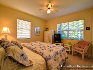 Dolphin House 966 Dolphin House | 3 Bedroom 2 Bath Home| Short Walk To The Beach, Clearwater