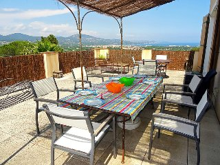 2 bedroom Apartment in Saint-Tropez, Provence-Alpes-Cote d'Azur, France : ref 50
