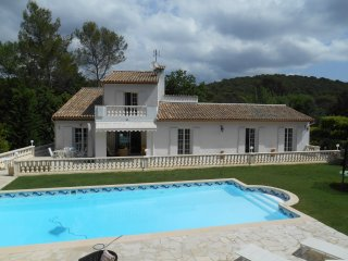 Villa with pool and garden next to the Golf, Mougins