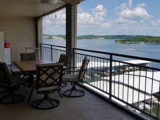 The Falls 106 6C - Newly Furnished! 3bed/3 Bath, Phenomenal View!, Lake Ozark
