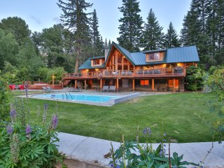 Heaven Can Wait Lodge ~ Leavenworth Private Riverfront Lodge
