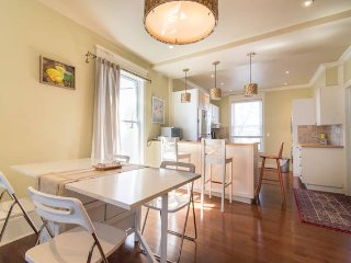 Heritage 2-BR Apt in Hintonburg!
