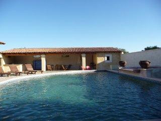 Maison de Vacances piscine/salle de sport/chevaux, Le Thor